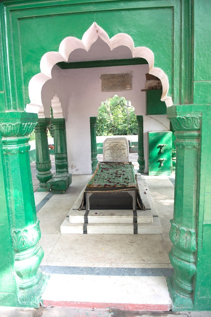 Another view of Bagh-e Bedil shows the grave
